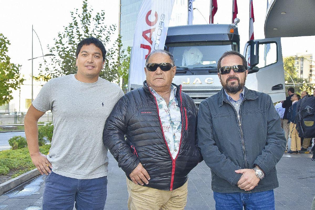 sociales JAC K7 5- Daniel Orellana Vidal, Gonzalo Orellana Núñez y Gonzalo Orellana Vidal