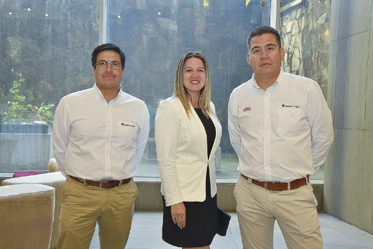 sociales JAC K7 8- Ryan Larenas, Paula Farías y Juan Pablo Iturriaga