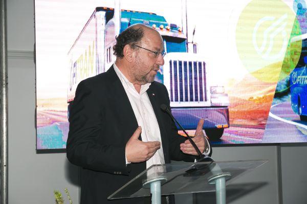 Fitran soc-Alfredo Moreno, Ministro de Obras públicas durante su exposición.