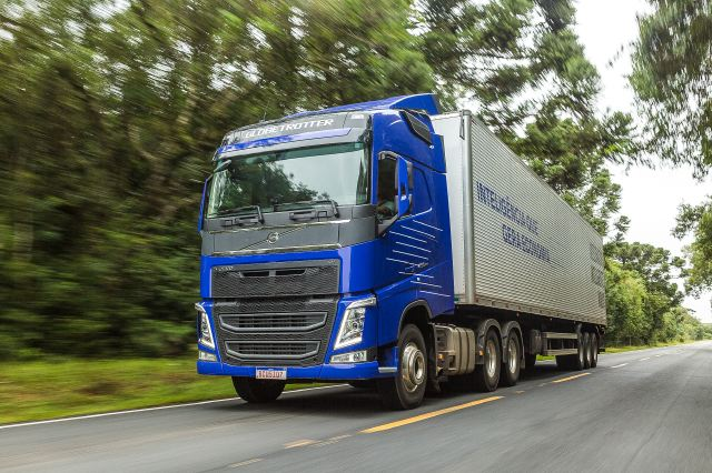 Volvo FH ahora es hasta un 10% más económico: Algoritmo para aceleración exacta