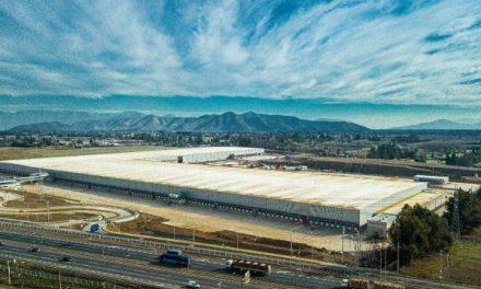 Walmart inagura primer centro de distribución omnicanal en Chile